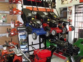Kingspoint Small Engine Lawn-Mowers-Sales-Service in