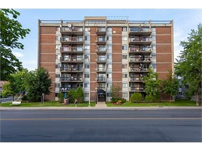 Apartment   1620 Victoria Avenue Greenfield Park QC   Image #1