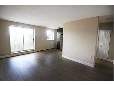 Apartment for rent in 718 Lawrence Road