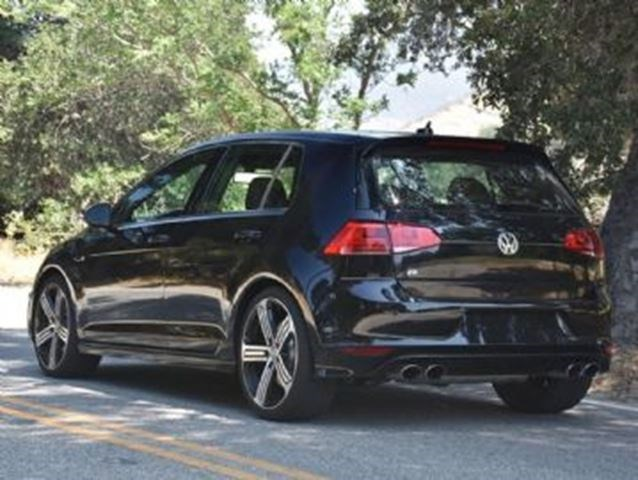 2017 Volkswagen R32 W Technology Package