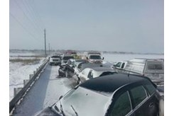 UPDATE: Hwy  400 reopened after 96 vehicle pileup | DurhamRegion com