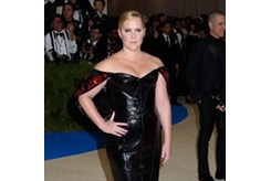Amy Schumer wants to be Kim Kardashian West's best friend-Image1