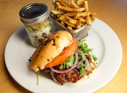 Drool-worthy burgers in Simcoe County and Grey County ...