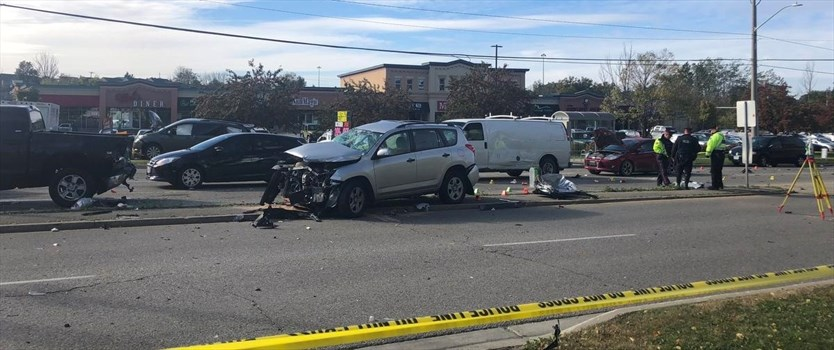 9-vehicle Crash Sends 4 To Hospital, 2 With Life
