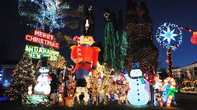 - Christmas Lights On Display In Durham - Photo Gallery DurhamRegion.com