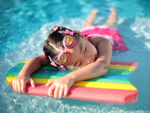Older mom in pool naked
