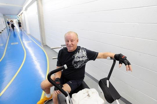 Mississauga senior 78 continues pushing fitness for Jardin gally 78