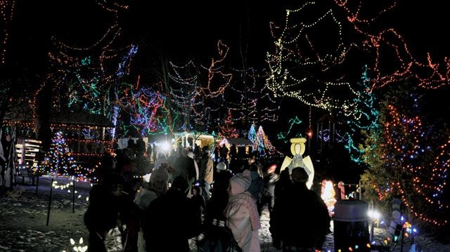 Christmas In The Park.Tis The Season To Light Up Orangeville S Christmas In The Park