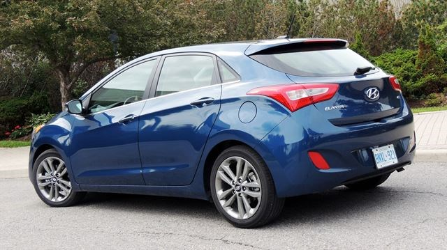Hyundai Elantra Gt Serves Up Fun With Functionality