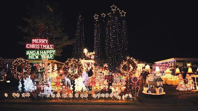 Williams Family Wins Best Decorated House In Pickering S