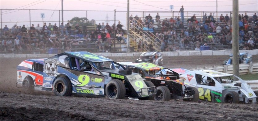 4-cylinder graduate adjusting to racing in Modified 358
