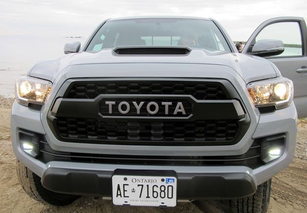 Toyota Tacoma Trd Pro 2017 Goes Anywhere In Style