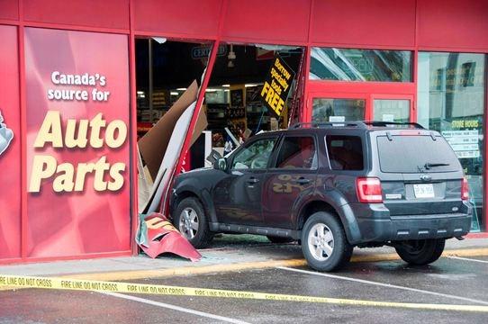 Suv Crashes Into Oshawa Auto Parts Store Durhamregion Com