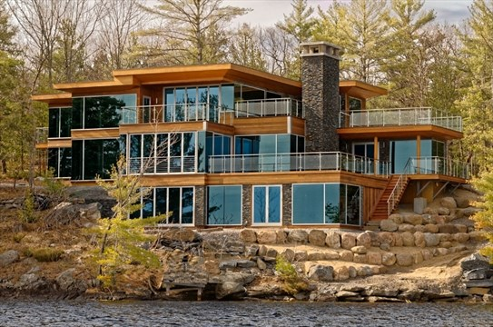 Waterfront Property For Sale In Barrie
