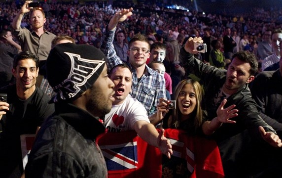 Fans at UFC's Ontario debut bloody love it | TheSpec com