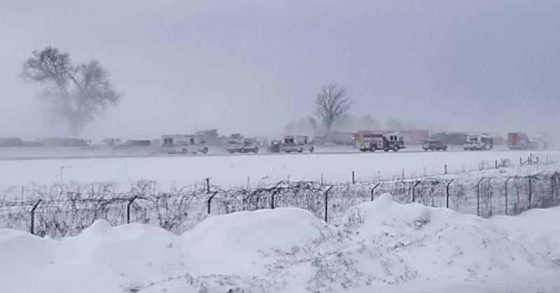 Crash blocks Highway 400 between Barrie and Innisfil | Simcoe com