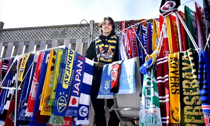 VIDEO: Whitby man trades maple syrup for international soccer scarves on  Reddit | Toronto.com