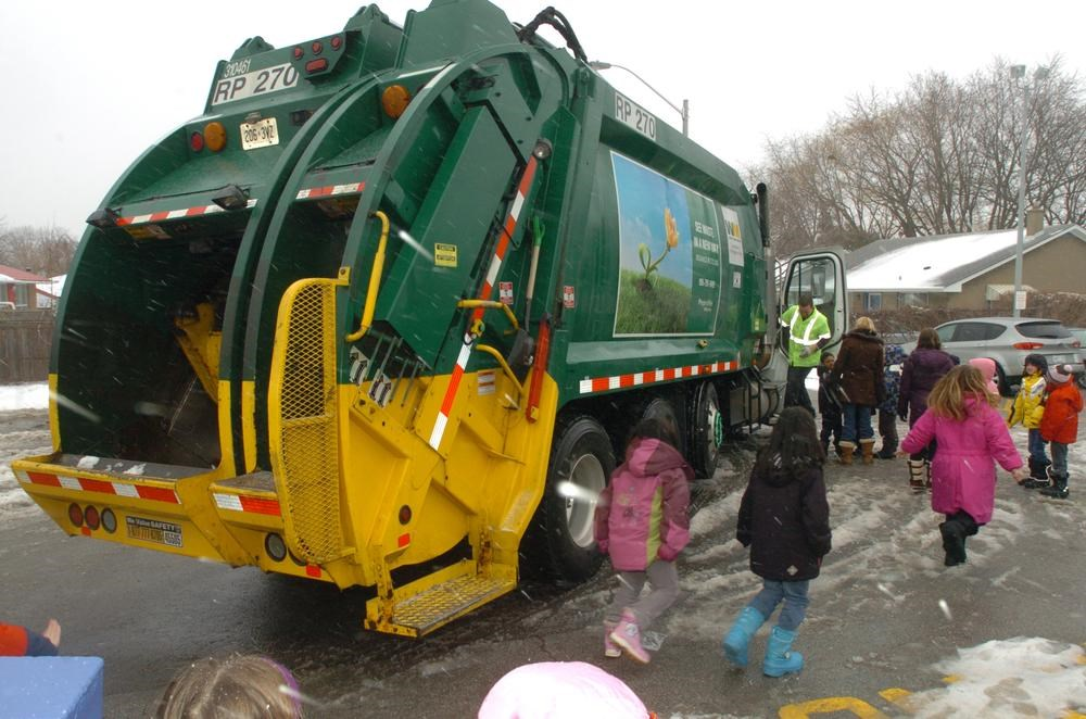 Region Talks Trash With Students Mississauga Com