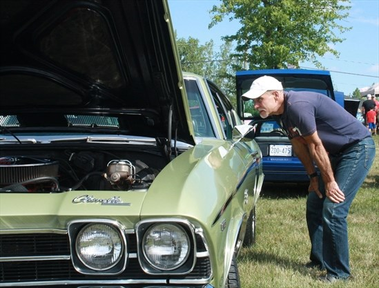 Car Owners Show And Shine For United Way NiagaraThisWeekcom - Phillips chevy car show