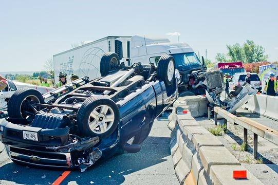 Northbound Hwy  400 lanes closed following crash