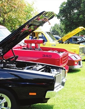 Rolling Thunder Car Show Rolls Out Red Carpet For Hot Rods July - Car show carpet