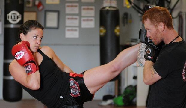 hook up Muay Thai boksen Peterborough Bosnische dating site Canada