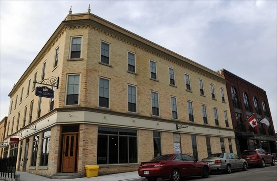 The Imperial In New Hamburg Includes Red Former Hotel And A Brick Addition Brent Davis Record Staff