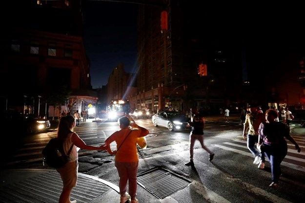 New York power outage prompts questions of its reliability