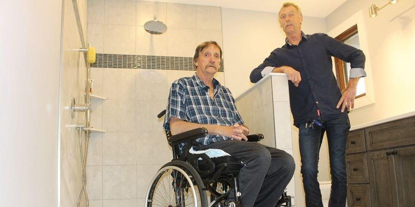 Local contractors help Wasaga Beach couple with new bathroom