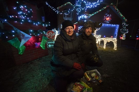 Cambridge Home Sparkles For Food Bank Donations