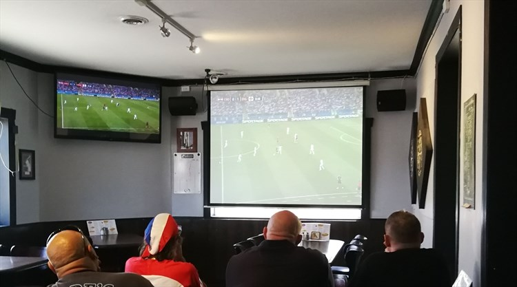 The Cozy Casual Dining Room And Bar Area Is A Hot Spot For Watching Live Sports Like World Cup Soccer Ufc Events Mike Pearson Metroland