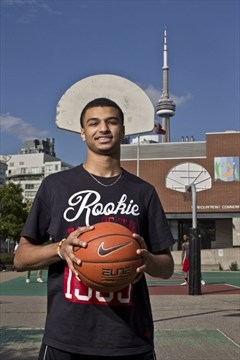 857efbd18 Kitchener s Murray pours in 30 points to lead World Team to victory at Hoop  Summit