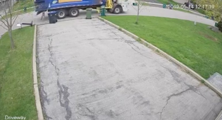 Video Garbage Bins Damaged Here S What To Do Caledon Caledonenterprise Com