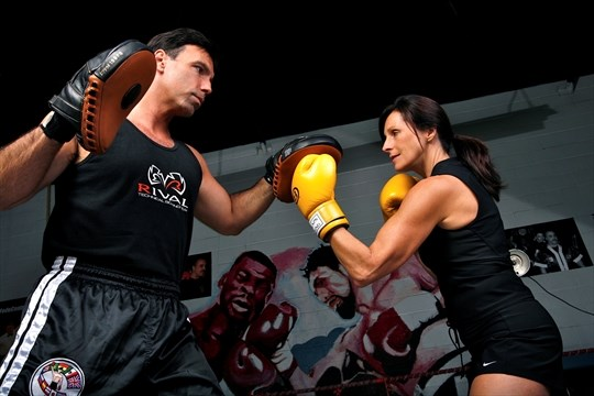 Boxing couple gets a thrill out of writing | Mississauga com