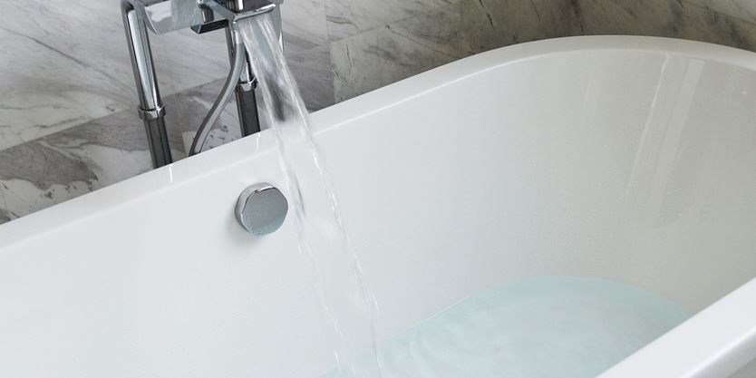 things to consider when buying a new bathtub | toronto