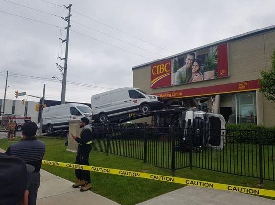 Vehicle crashes into CIBC bank in Brampton