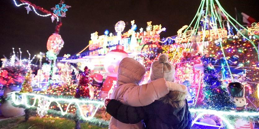The Great Christmas Light Fight.Toronto Family S Display Featured On The Great Christmas