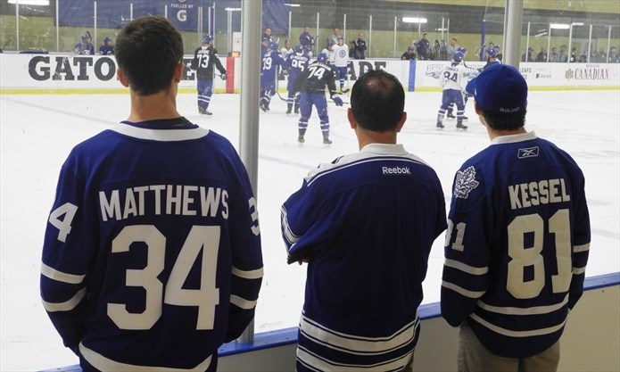 Toronto Maple Leafs fans gathered for three days at Gale Centre 042c0546b
