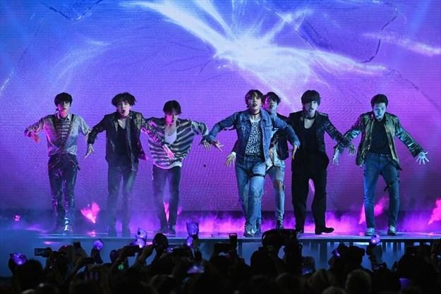 ROCKINGHAM: BTS Army invades Hamilton | TheSpec com