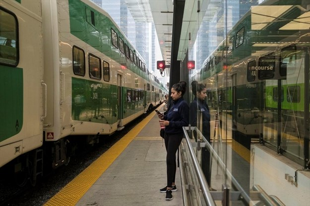 More than 10,000 people affected by GO Train delays on line running