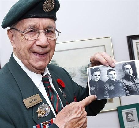ed45d5e6ad122 Second World War veteran Jim Parks passes along the war experience