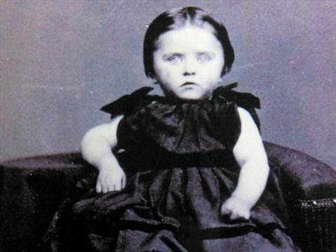 Oshawa Exhibit Offers Peek Into Victorian Death And