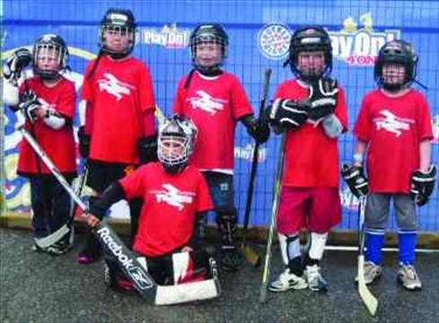 Almonte hockey teams shine at 4 on 4 street hockey