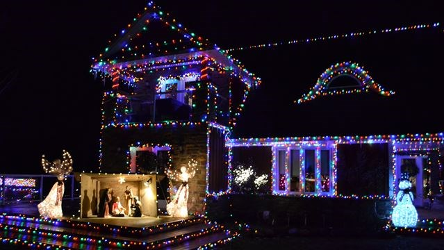 is this the best decorated house for christmas in north simcoe