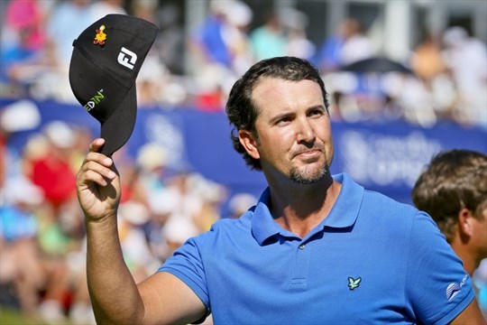 45d3494e3e17d ... Piercy salutes the crowd as he walks off the 18th green. He posted -17  and waited for the last group to finish before he won the 2012 Canadian Open  at ...