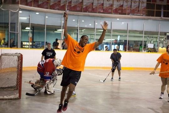 Nhl Player Wayne Simmonds Returns To Scarborough To Host Charity Ball Hockey Tournament Toronto Com