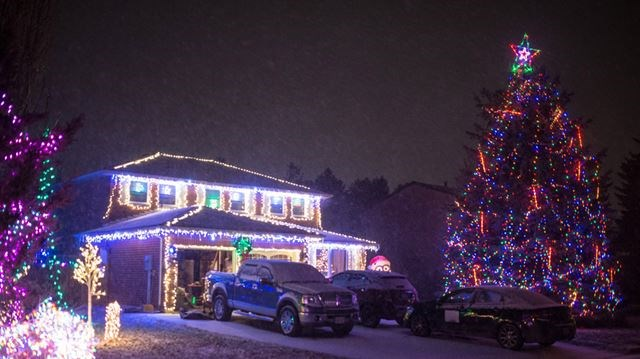 homeowners on the street were close to winning the orangeville communities in bloom cib committees second annual griswold christmas lights competition in