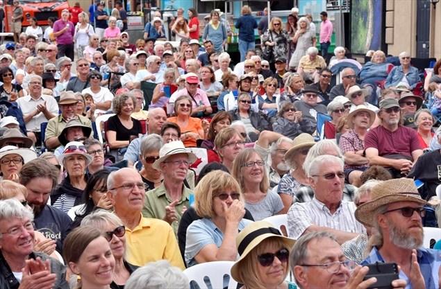 Artsfest crowd