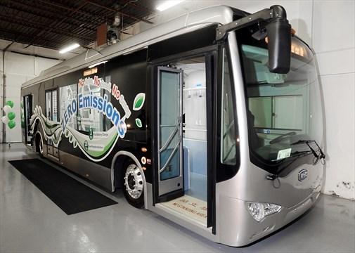 'E-bus' visits Mississauga | Mississauga com