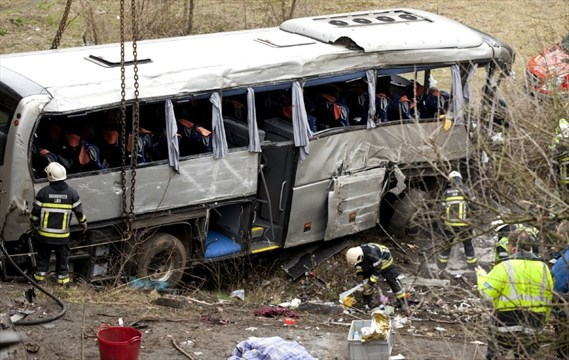 5 dead after bus taking russian youngsters to paris crashes in belgium. Black Bedroom Furniture Sets. Home Design Ideas